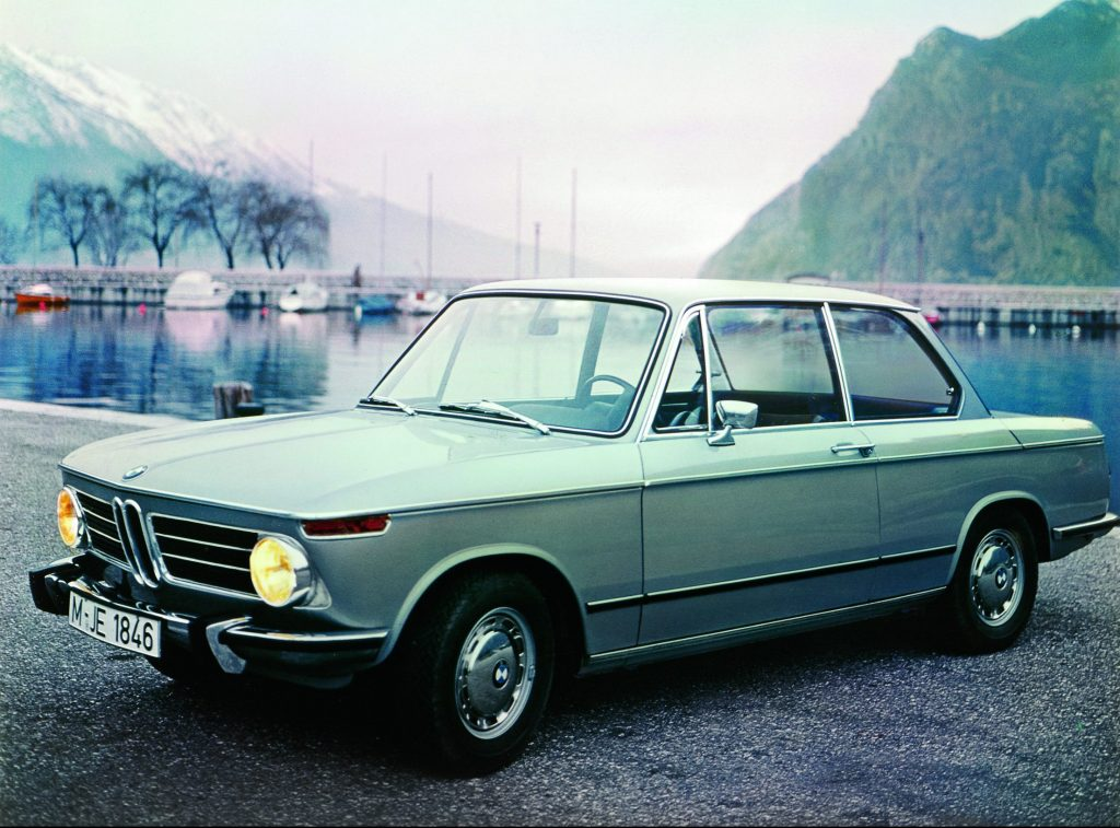 1968 bmw 2002 front three-quarter