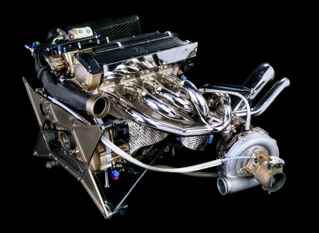 bmw M12-13 formula 1 turbo motor