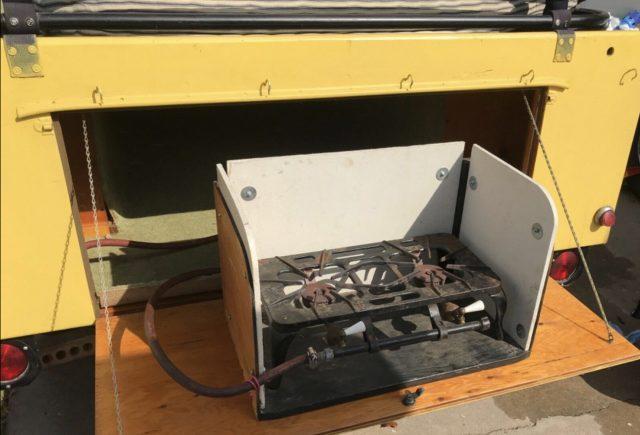 Rolls-royce camper trailer rear stove