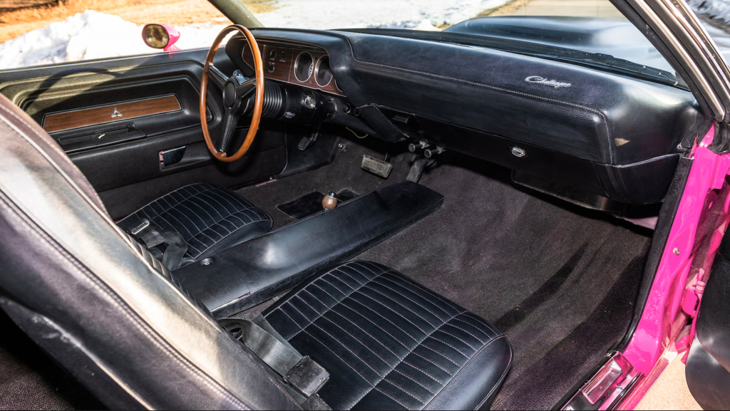 1970 Dodge Challenger T/A 360 six pack interior