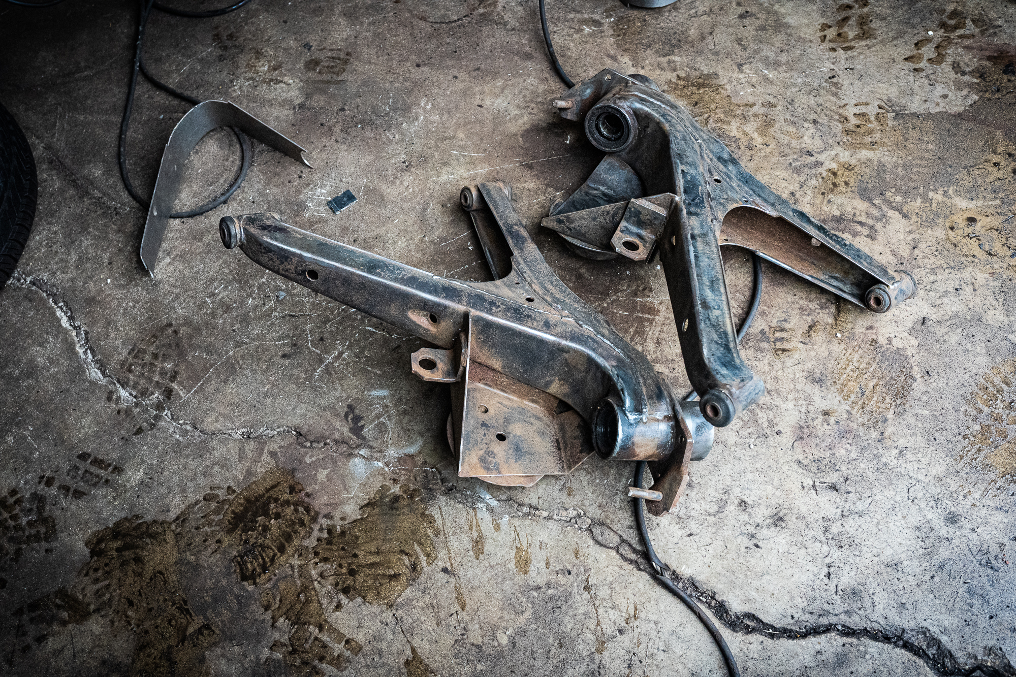 bmw 2002 resto trailing arms removed