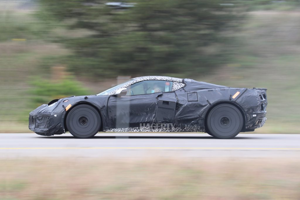 chevrolet c8 corvette z06 side profile camo spy shot