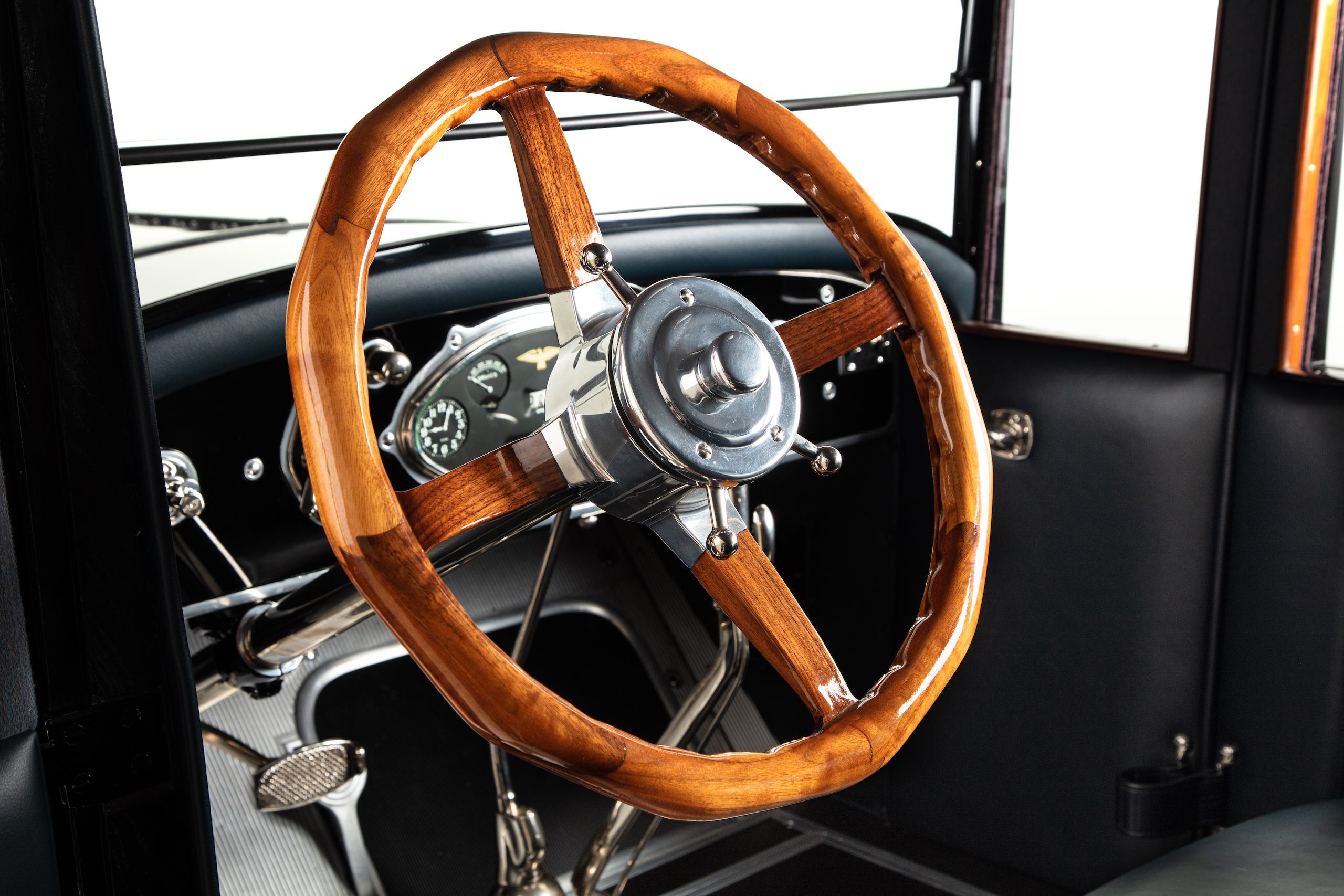 Duesenberg model A wooden steering wheel detail