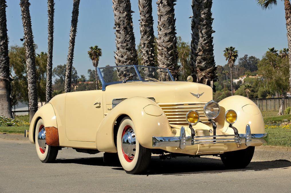 Tom Mix - 1937 Cord - Full passenger front