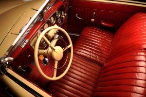 Tom Mix - 1937 Cord - interior