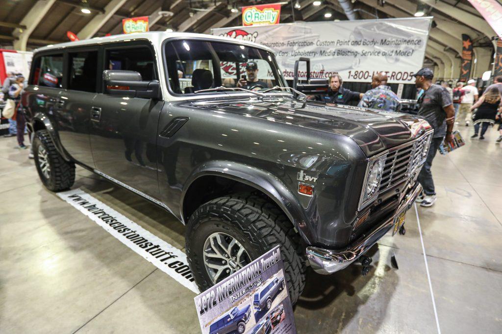 IH Travelall Custom Ford Raptor