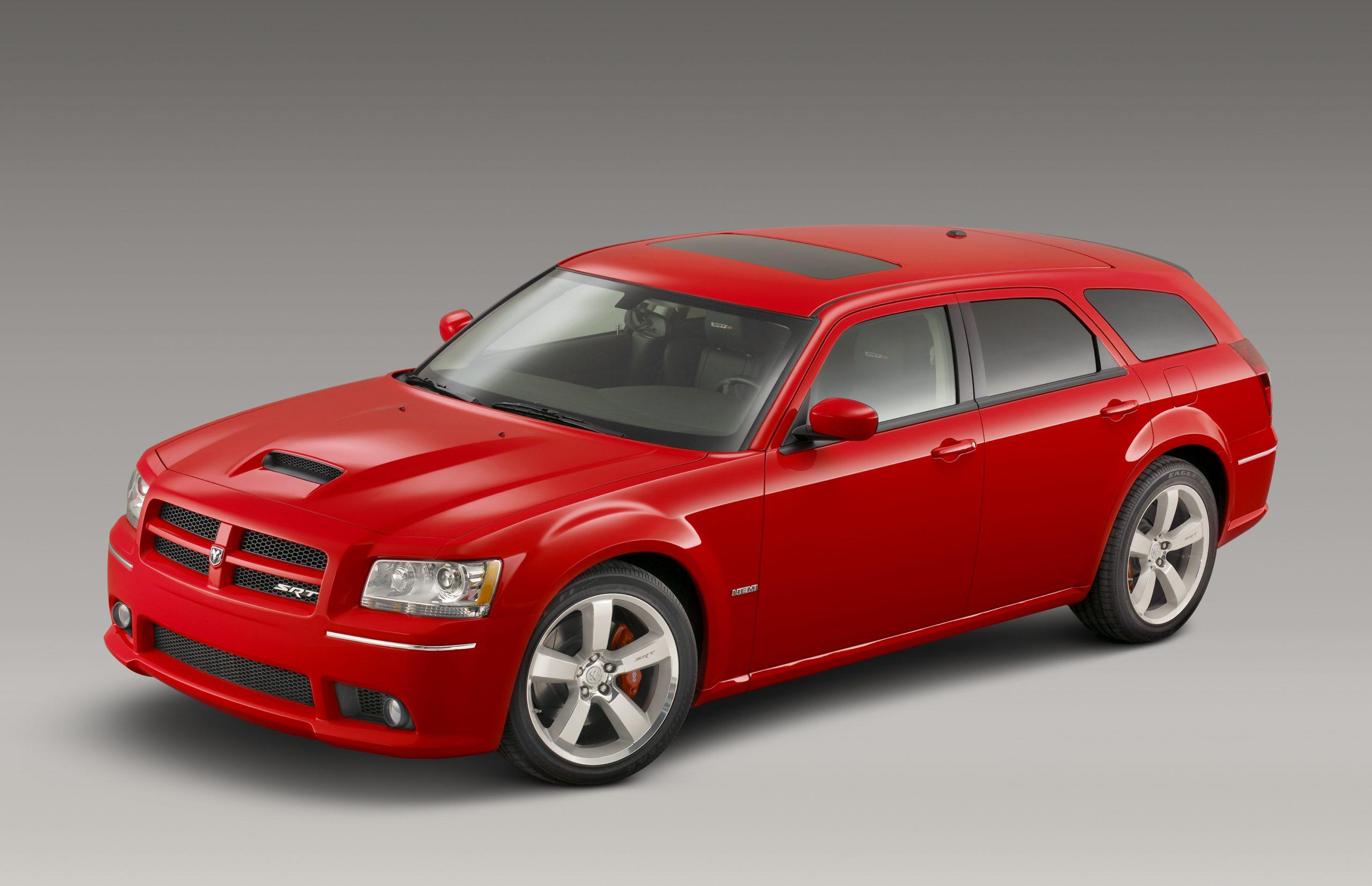 2008 Dodge Magnum SRT8 three quarter wagon hemi