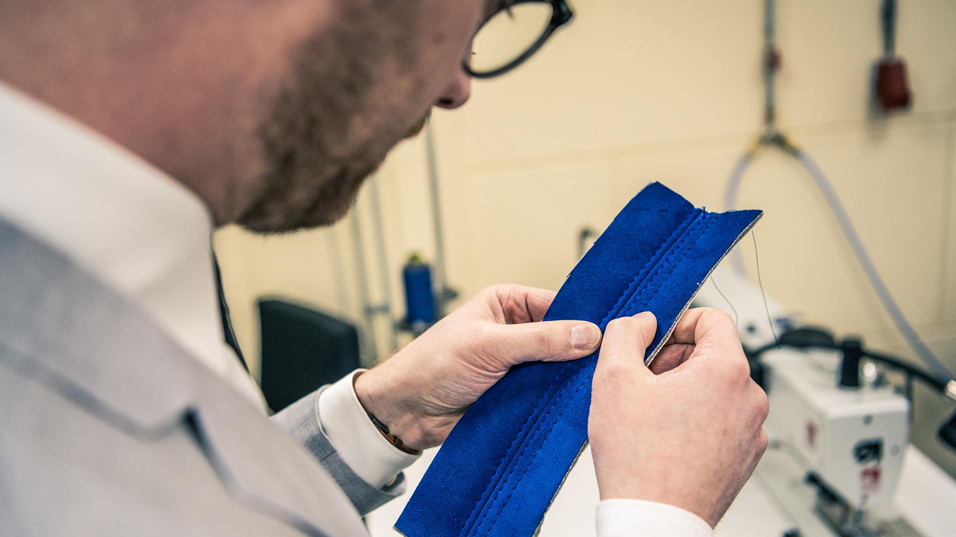 Breadvan stitch detail examination
