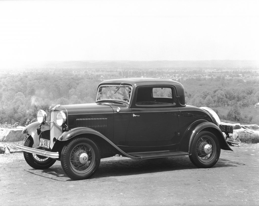 1932 Ford DeLuxe Coupe 3-window mode