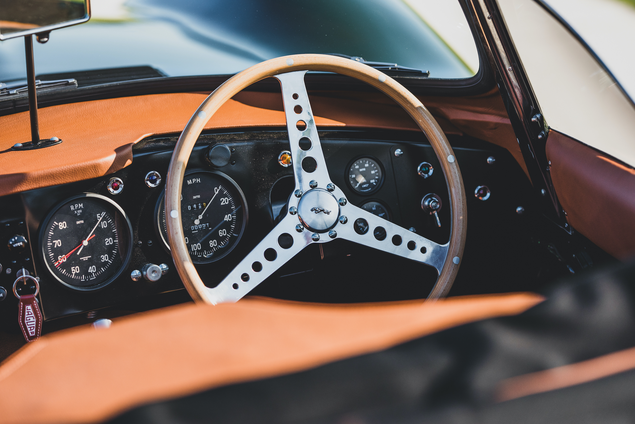1957 Jag XKSS steering wheel detail