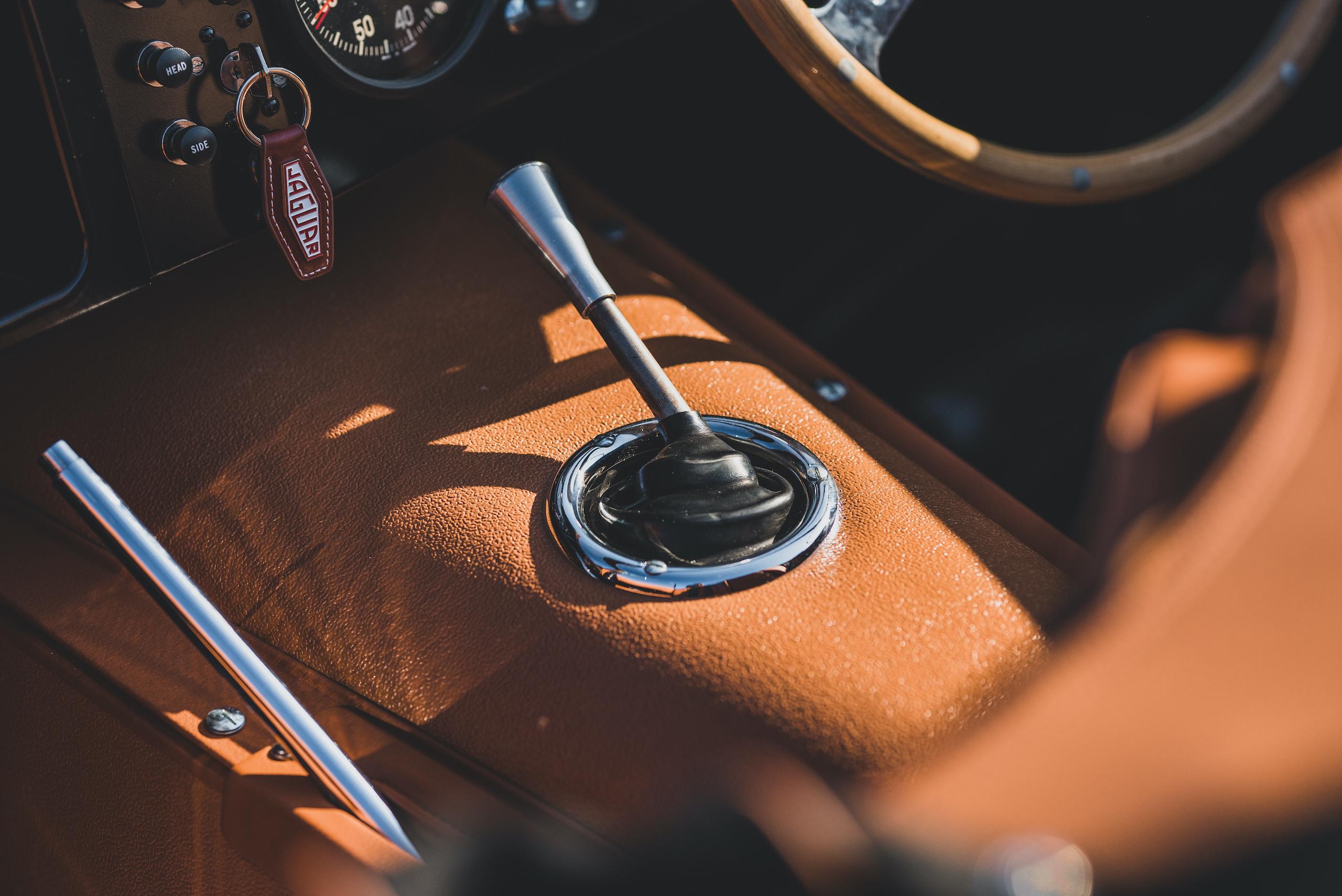 1957 Jag XKSS shifter