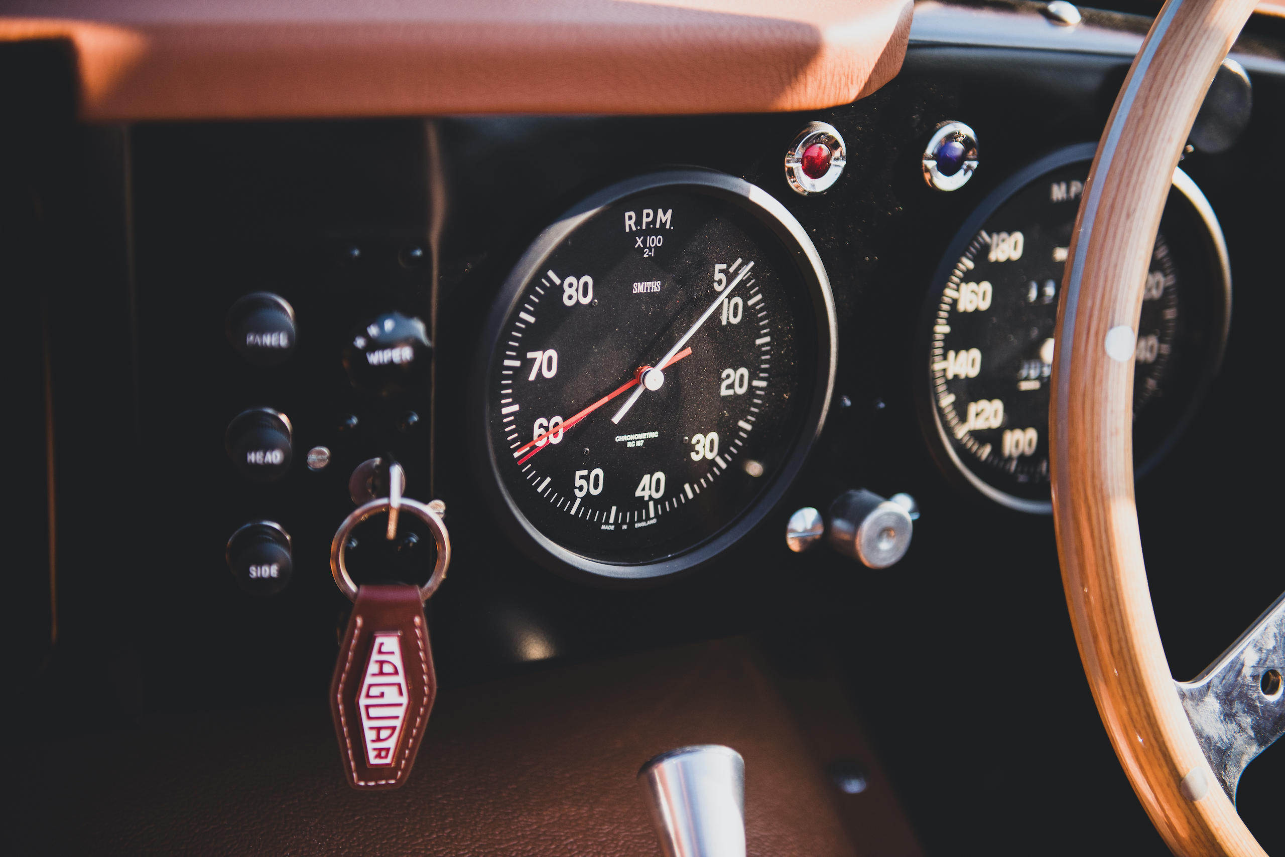 1957 Jag XKSS gauges and ignition detail