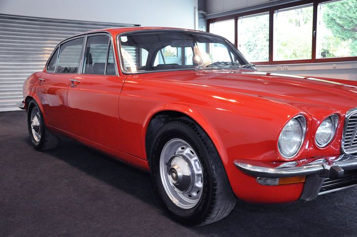 1976 Jaguar XJ6 owned by ferdinand porsche front side