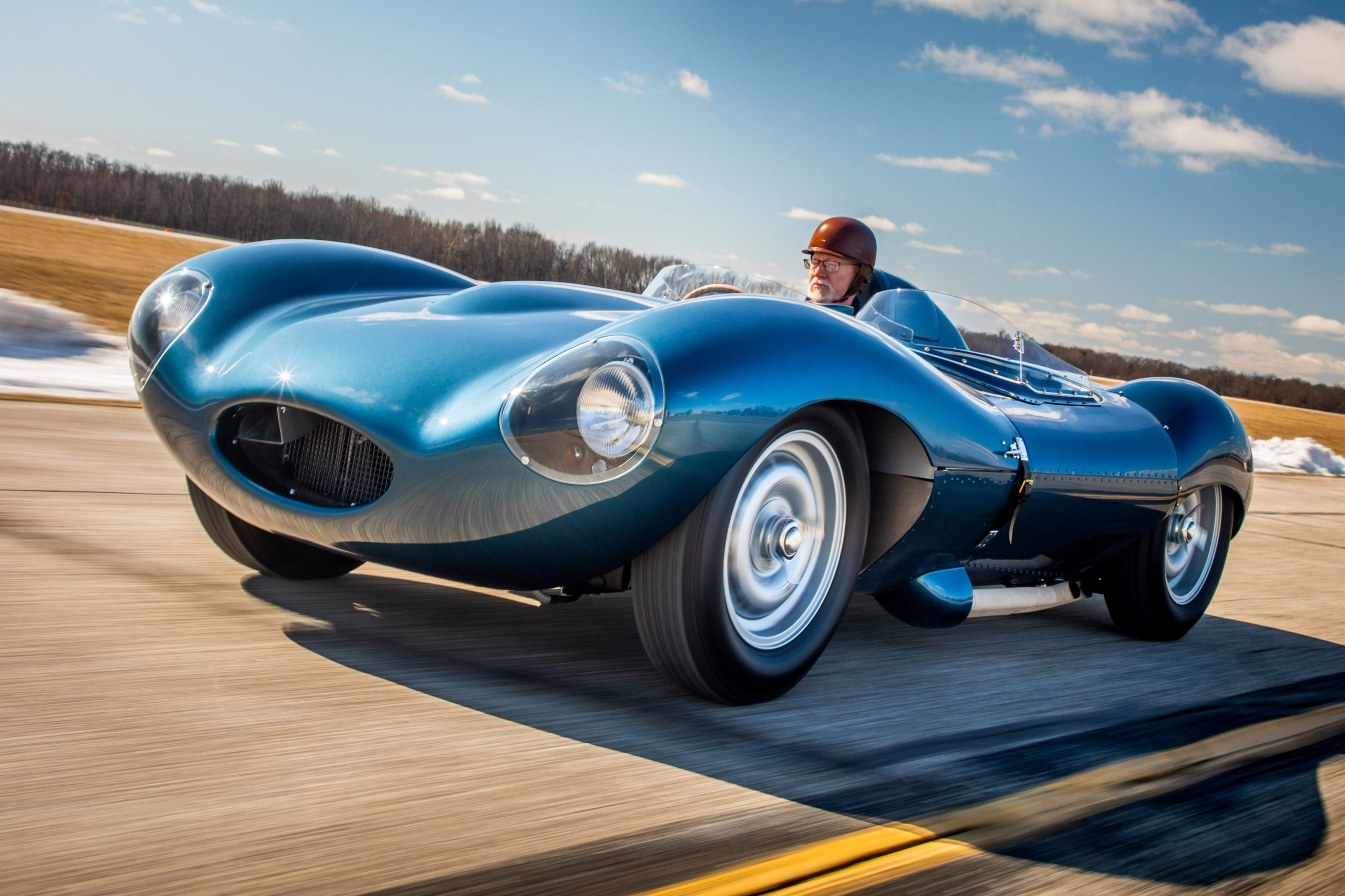 1955 Jag D-Type front three-quarter dynamic action