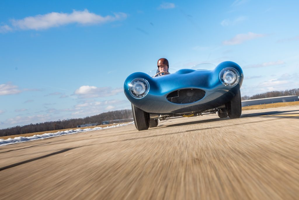 1955 Jag D-Type front dynamic action