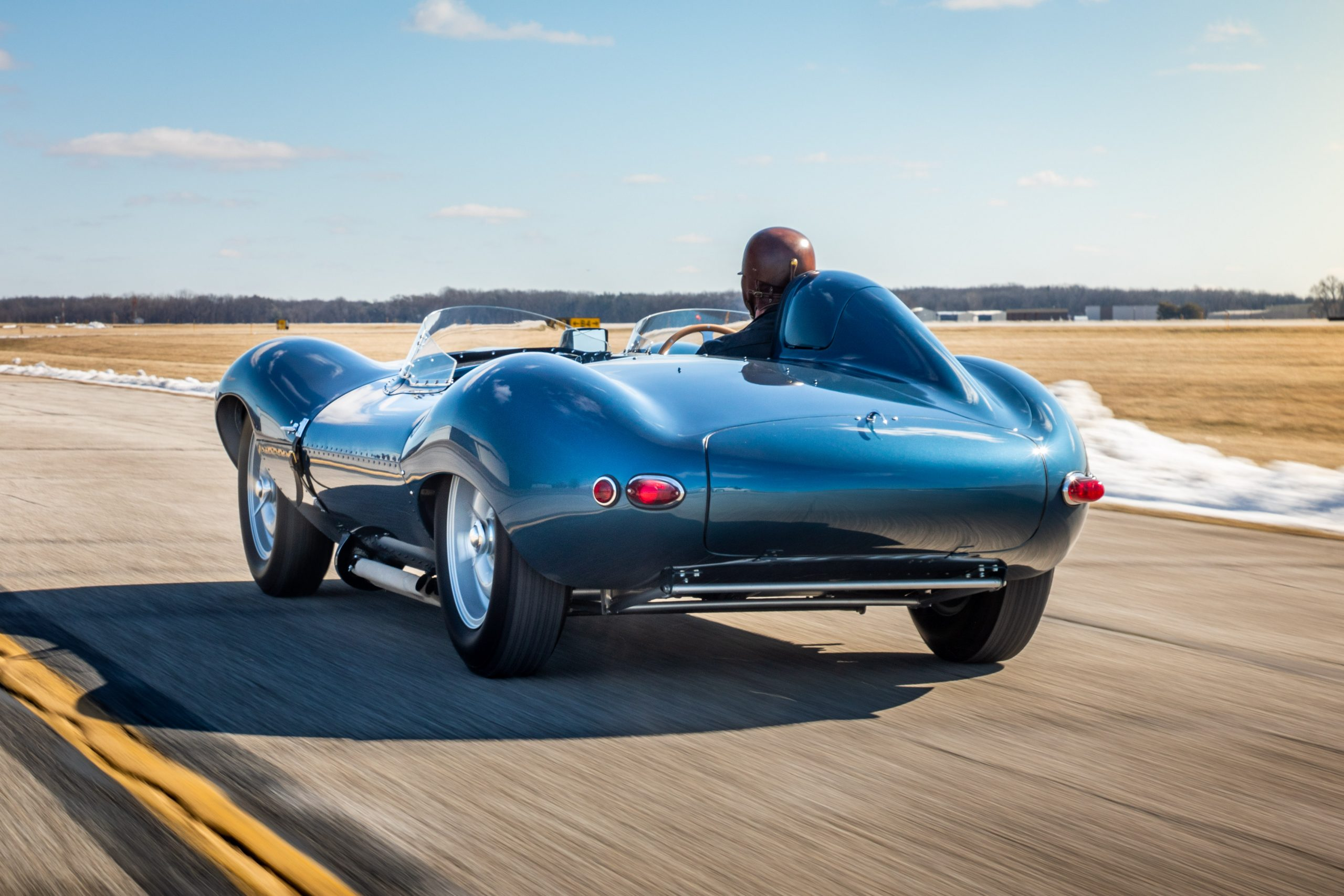 1955 Jag D-Type rear three-quarter dynamic action