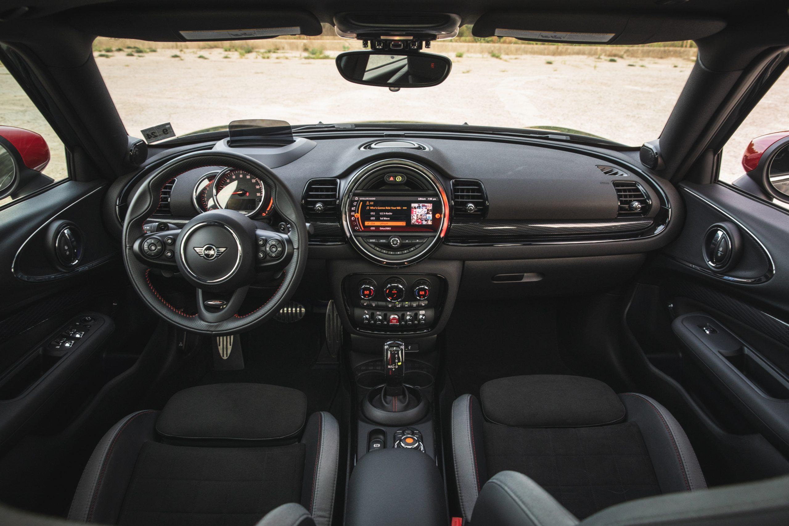2020-Mini-JCW-Clubman-All4-interior
