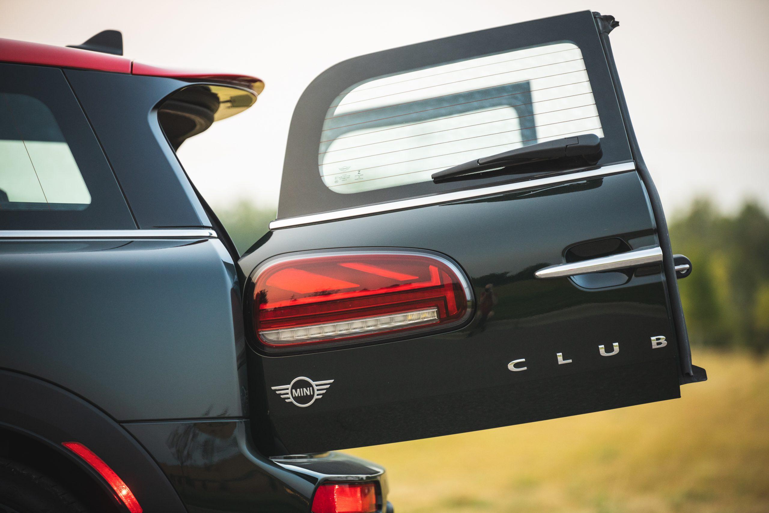 2020-Mini-JCW-Clubman-All4-trunk-door-open