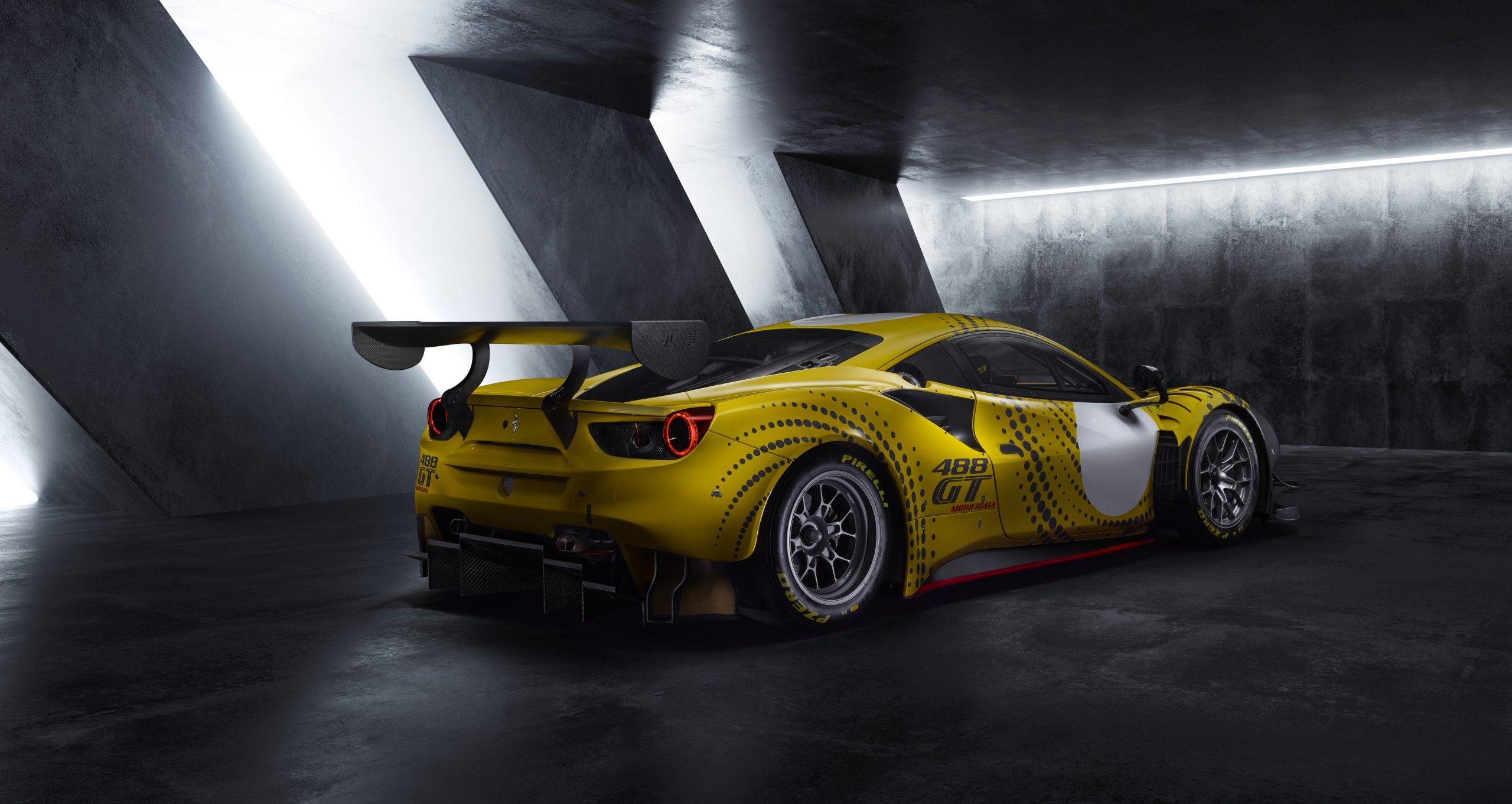 2020_11_Ferrari_488GT_3-4_RETRO4