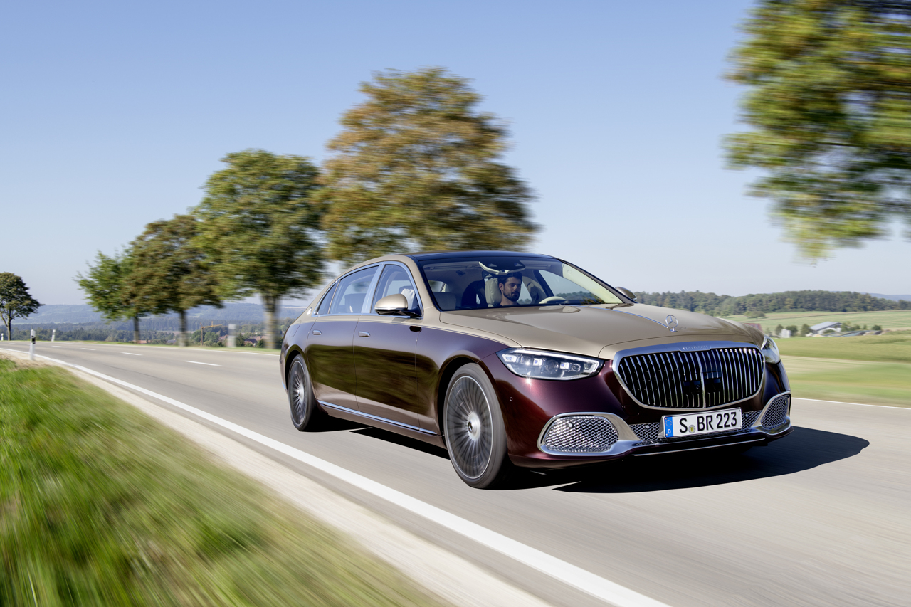 Mercedes-Maybach S-Class 2020 front tracking