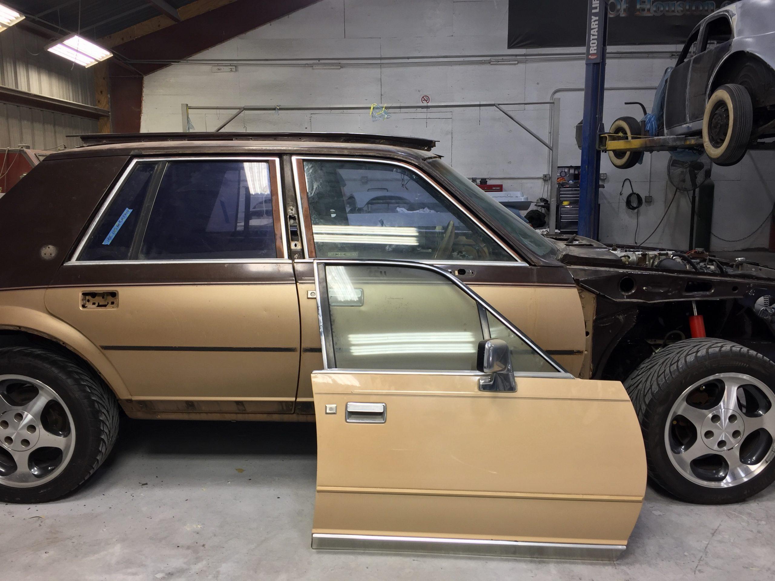 1983 Lincoln Continental Valentino restomod