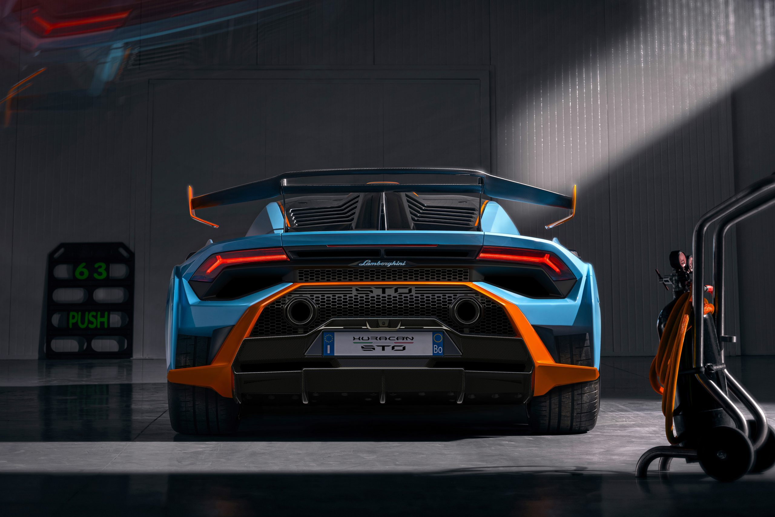 Lamborghini Huracan STO rear garage 2