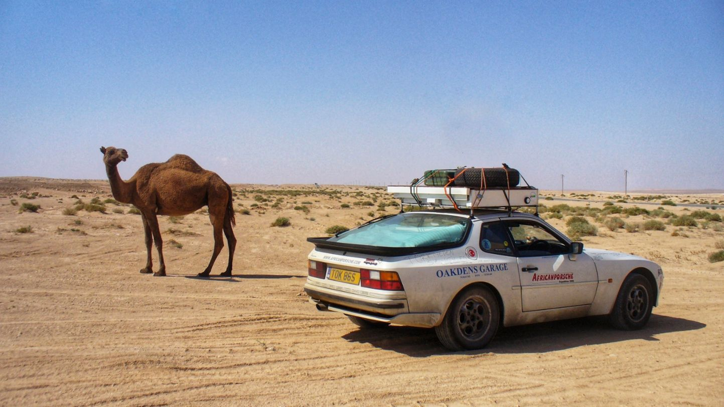Africa Porsche 944 Camel