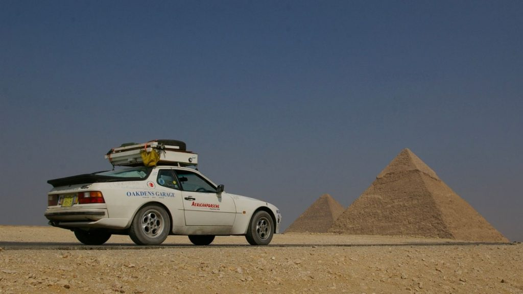 Africa Porsche 944 staged by the pyramids