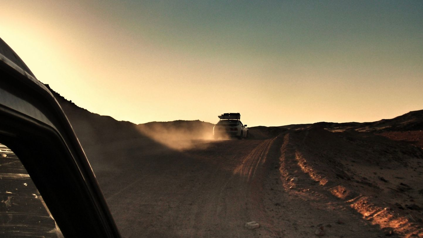 Africa Porsche 944 the old dusty trail