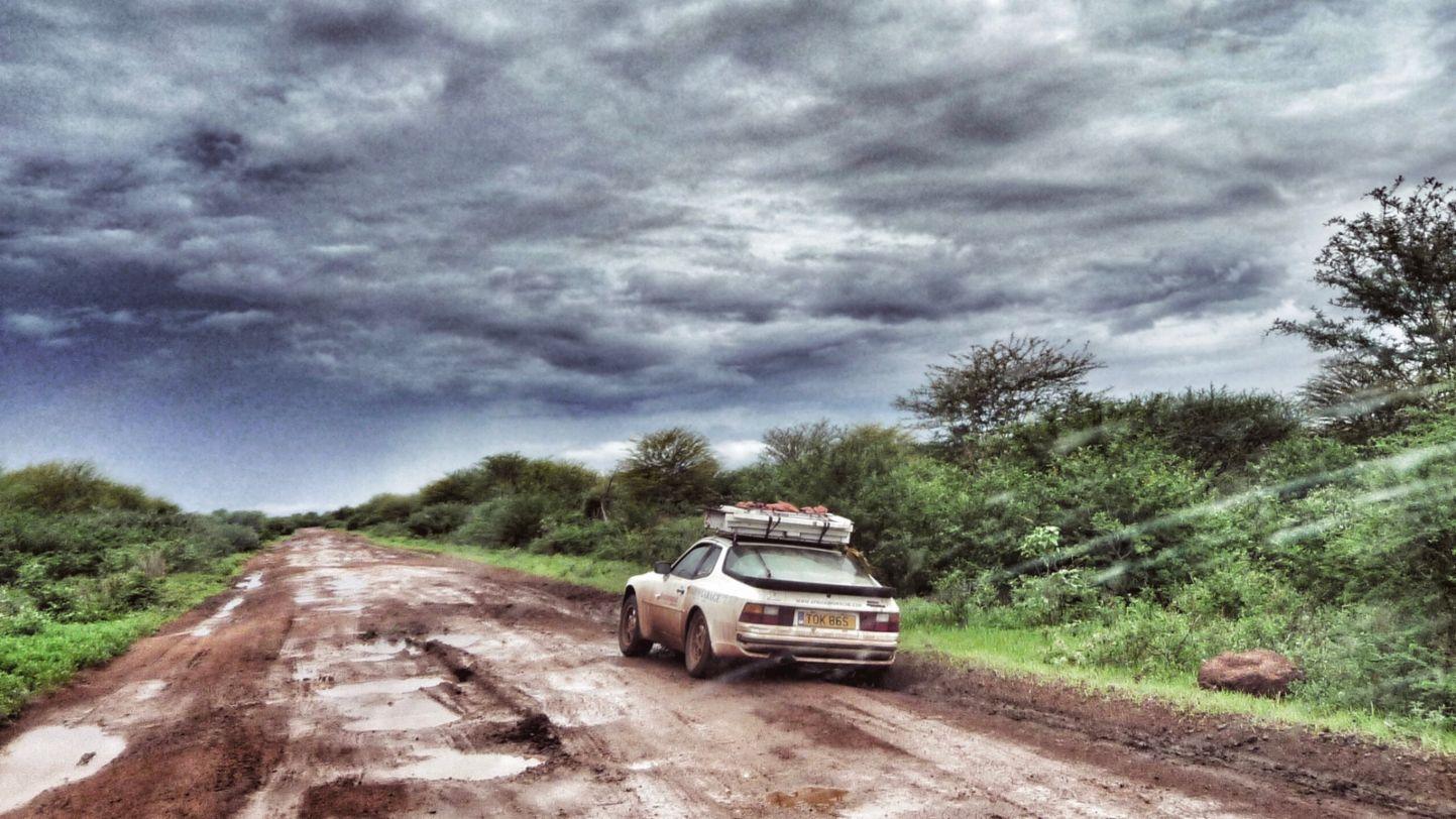 Africa Porsche 944 awful road