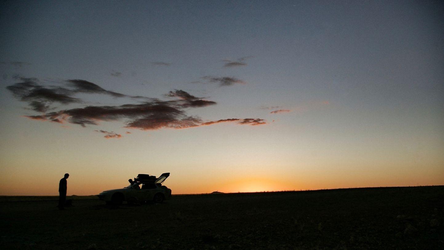 Africa Porsche 944 breakdown at sunset
