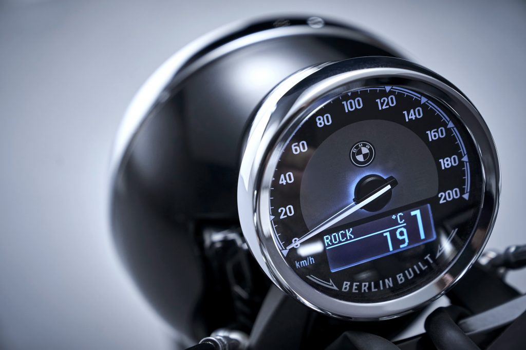 BMW R18 speedometer detail