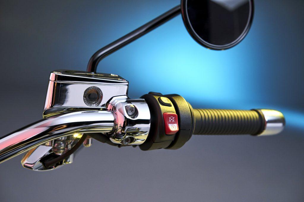 BMW R18 throttle close up