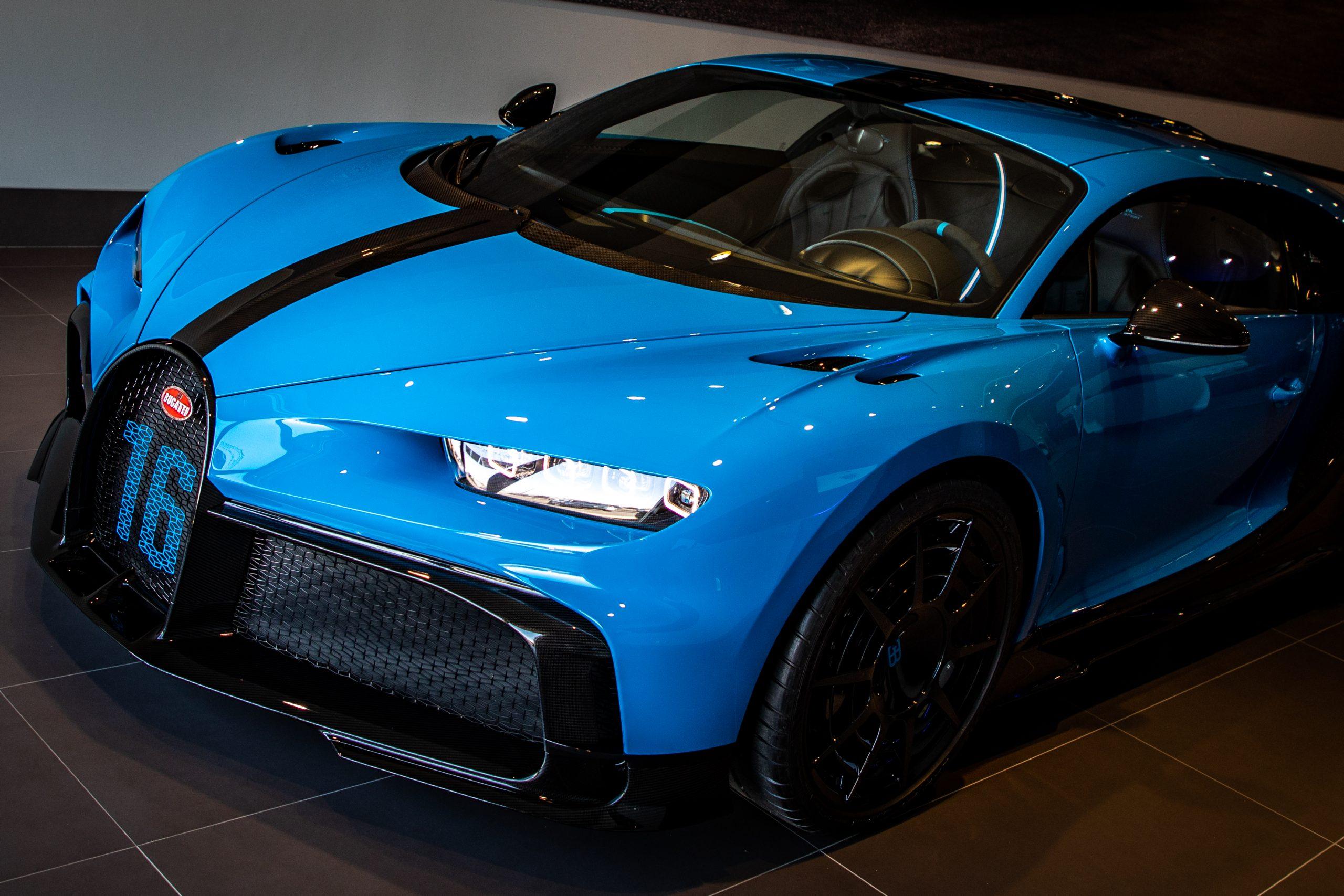 Bugatti-Chiron-Pur-Sport-show-car-12