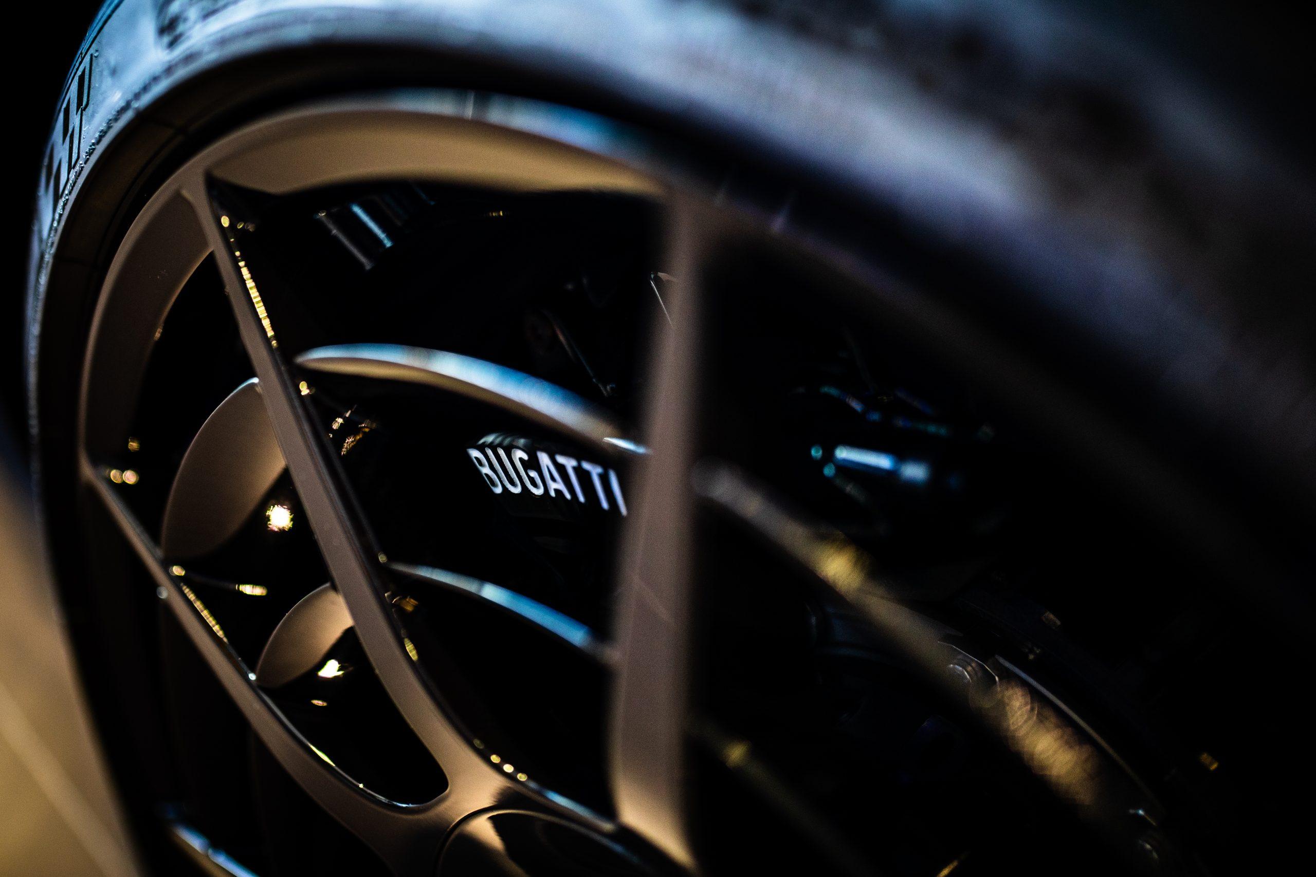 Bugatti-Chiron-Pur-Sport-show-car-16