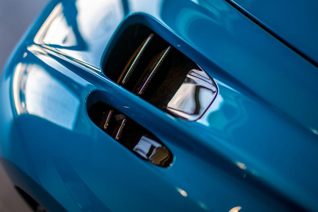 Bugatti-Chiron-Pur-Sport-show-car-17