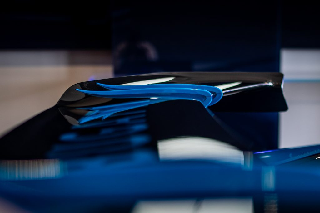 Bugatti-Chiron-Pur-Sport-show-car-19