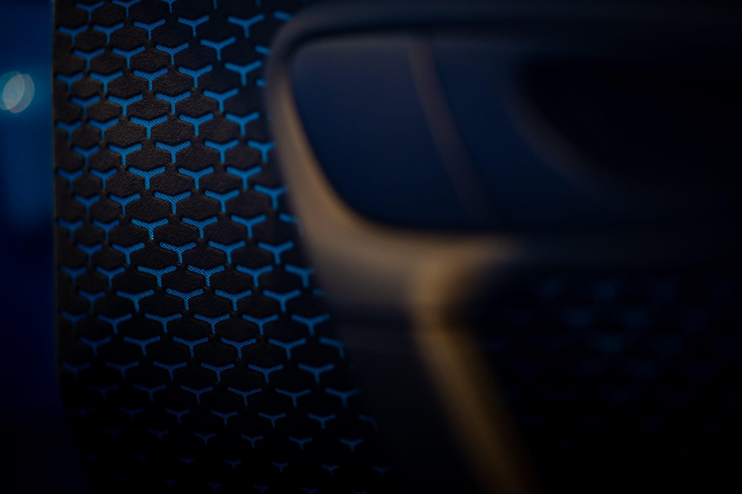 Bugatti-Chiron-Pur-Sport-show-car-2