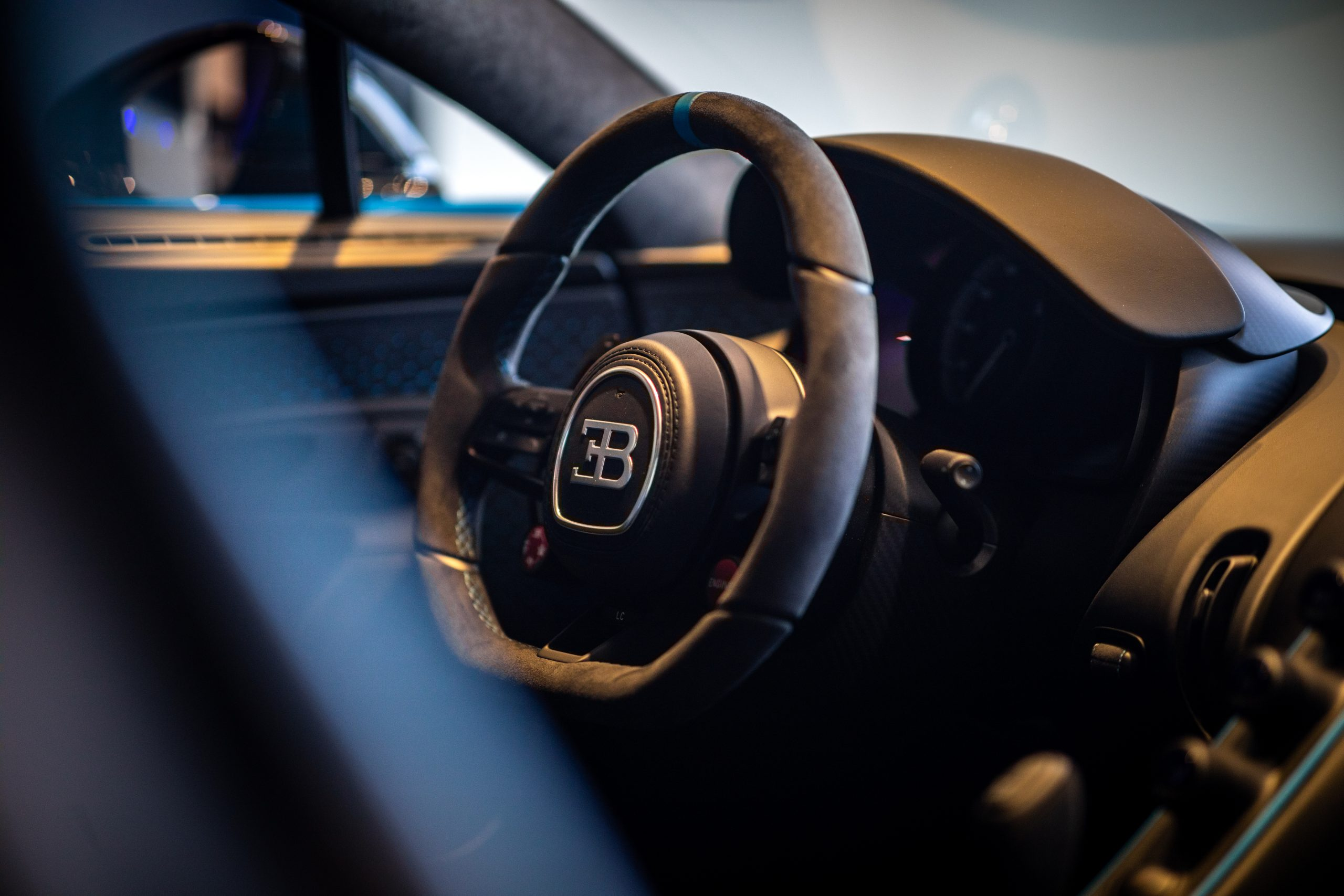 Bugatti-Chiron-Pur-Sport-show-car-4