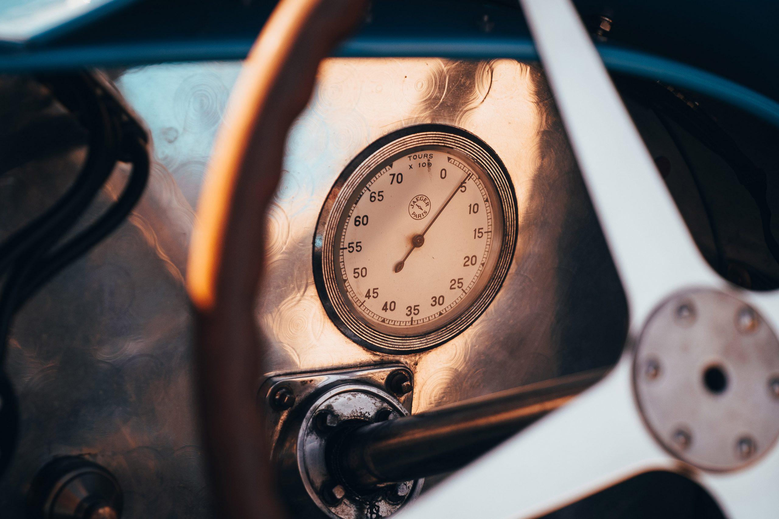 Bugatti Type 35C gauge detail