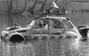 Gauloises Citroën promotional boat - Schwimm-Ente 1982