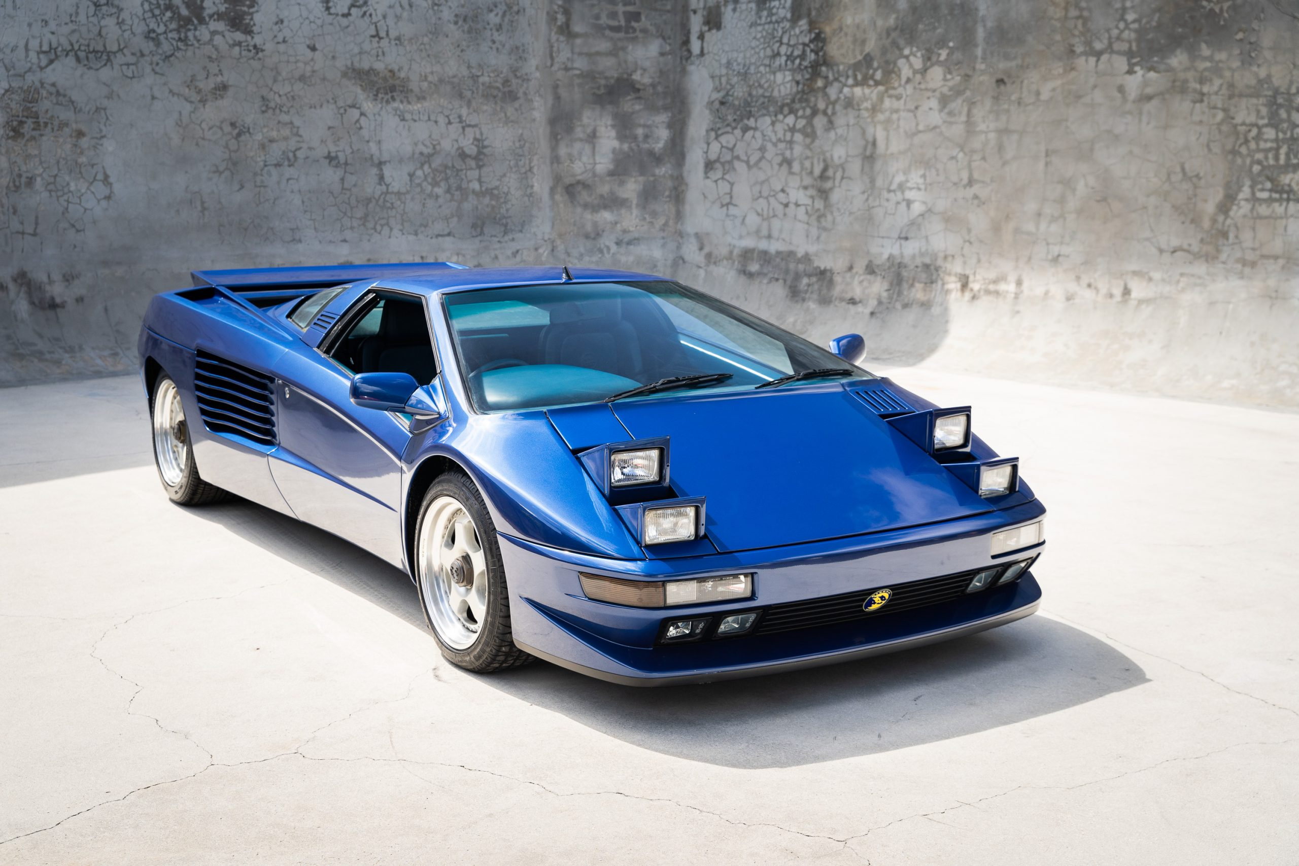 Cizeta-V16T-Blue-3-of-45