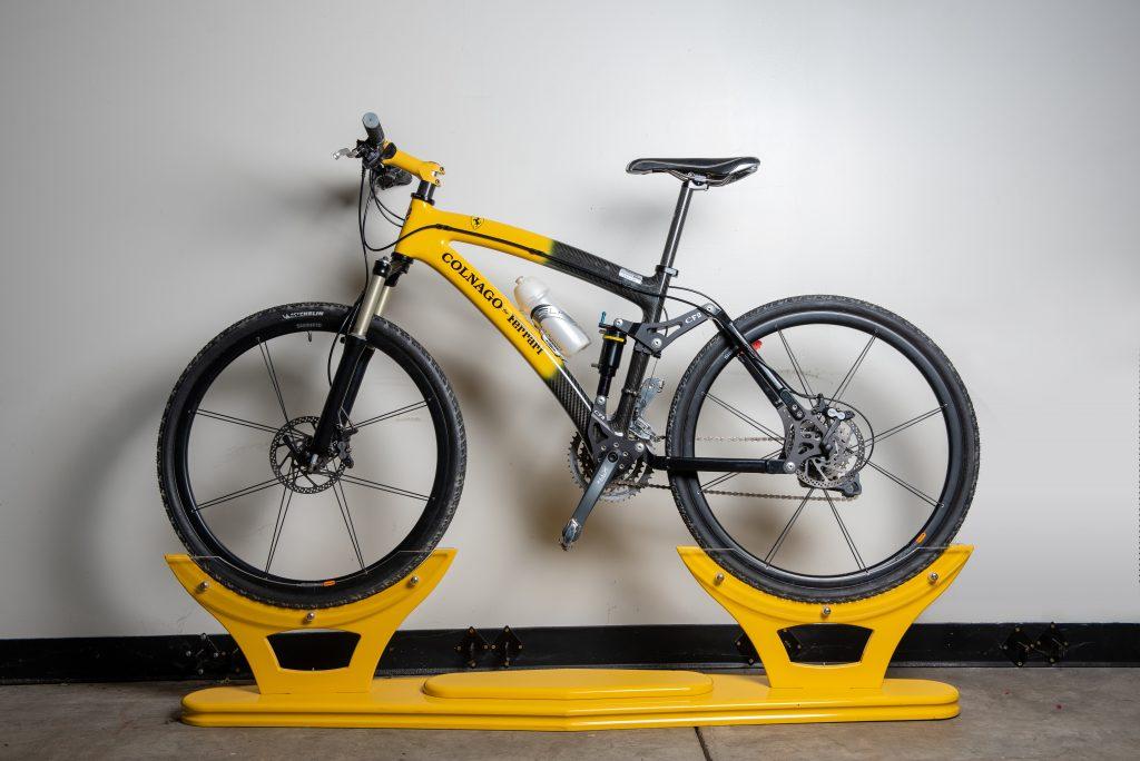 Colnago Ferrari mountain bike side profile