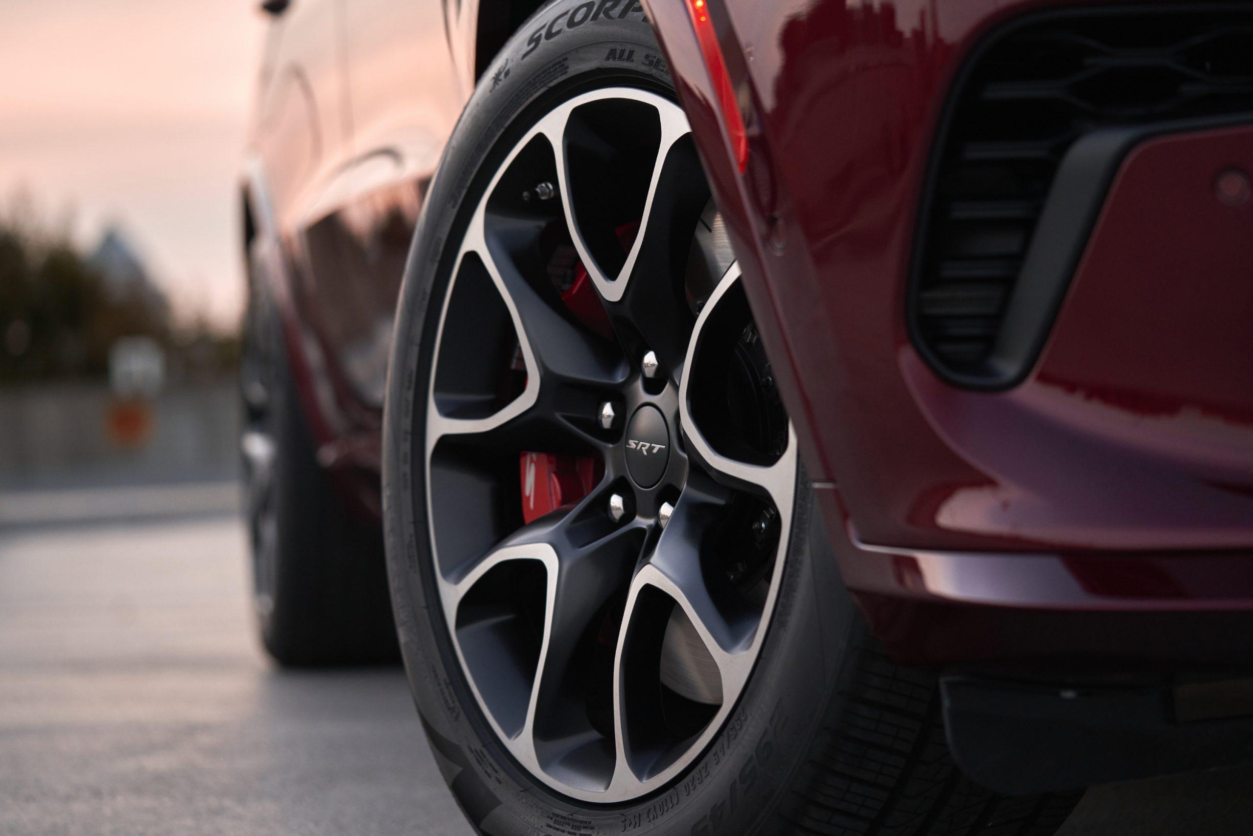 2021 Dodge Durango SRT Hellcat front wheel detail