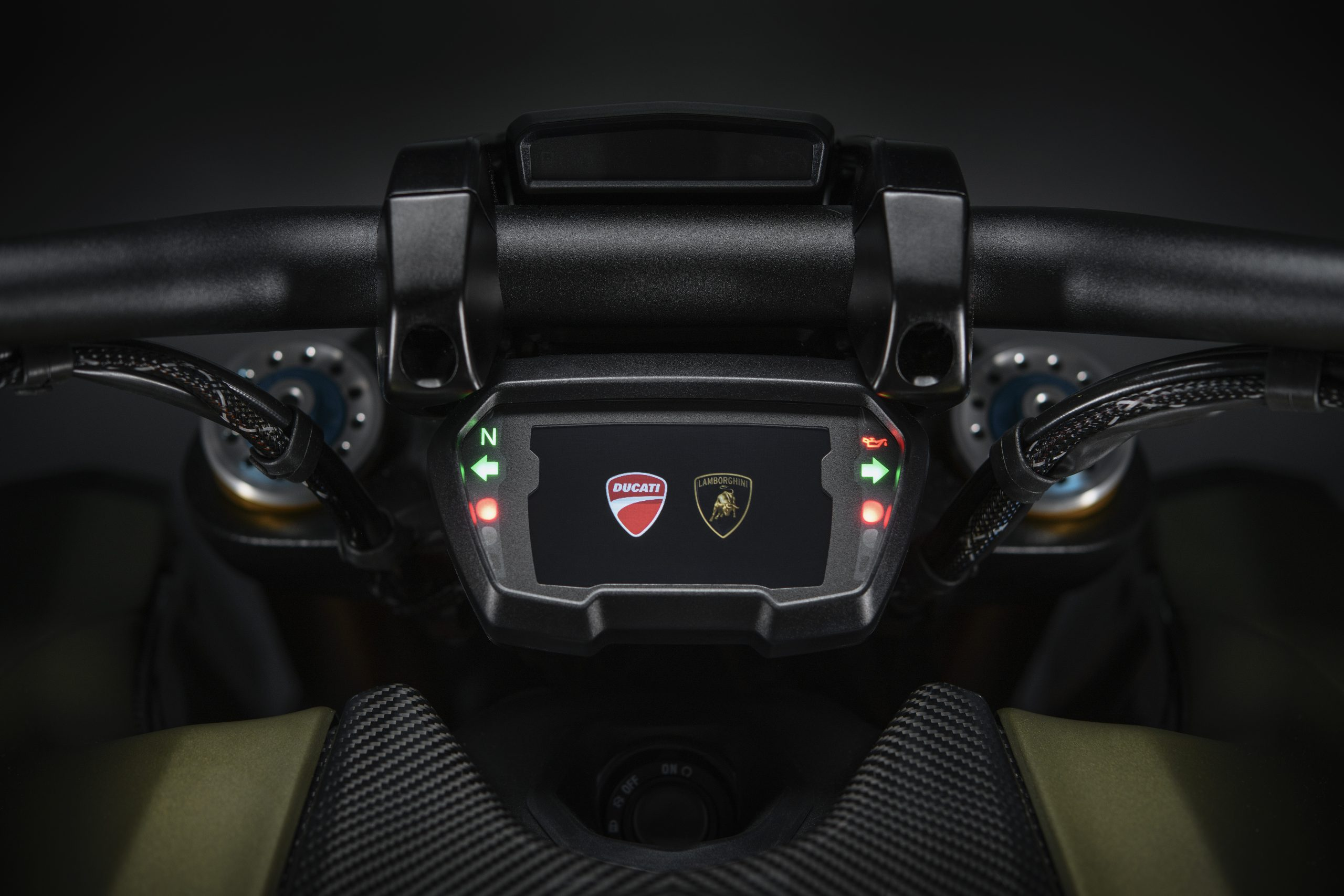 DUCATI_DIAVEL_1260_LAMBORGHINI_26_UC213079_High