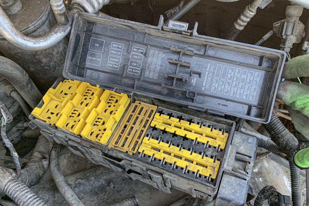Junkyard Jeep fuse panel