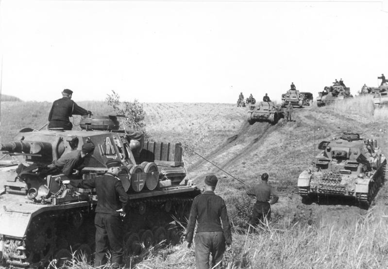Jerrycans on Russland Panzer IV und Panzer II