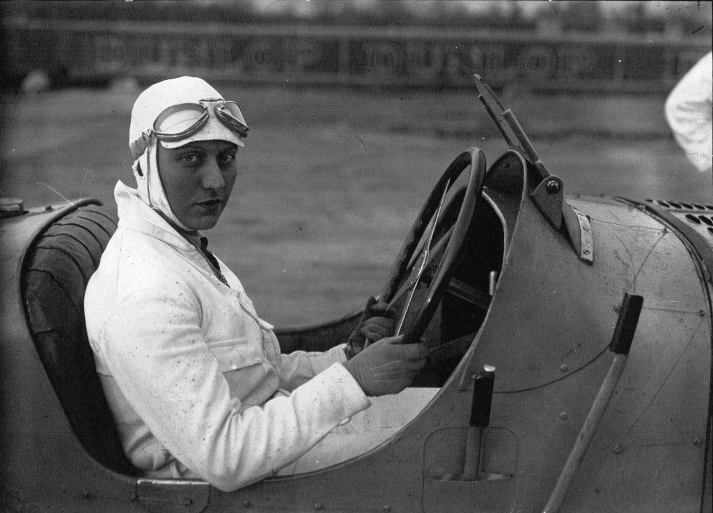 Helle Nice 1929 behind wheel racecar