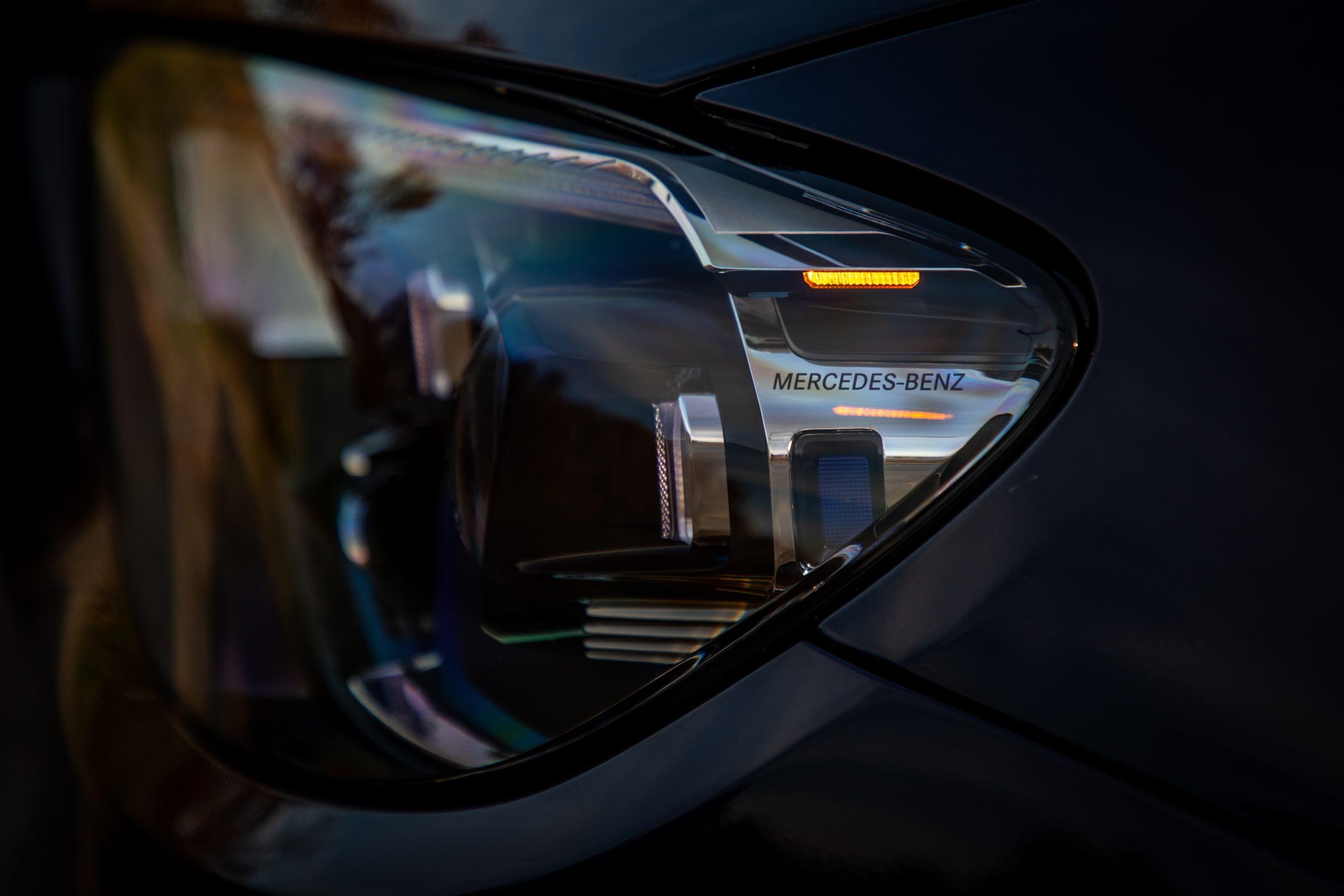 2021 Mercedes Benz E 450 4MATIC headlight detail
