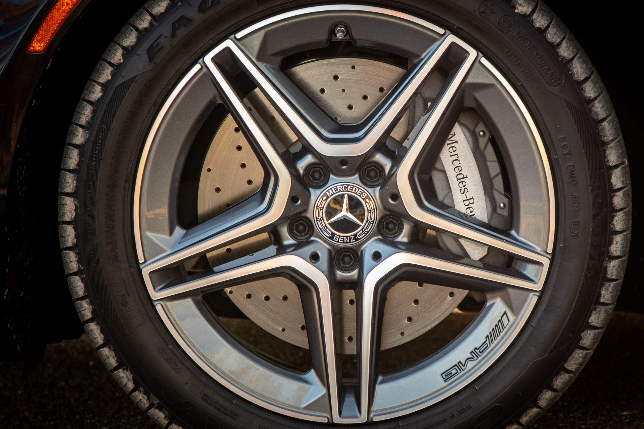 2021 Mercedes Benz E 450 4MATIC wheel brake detail